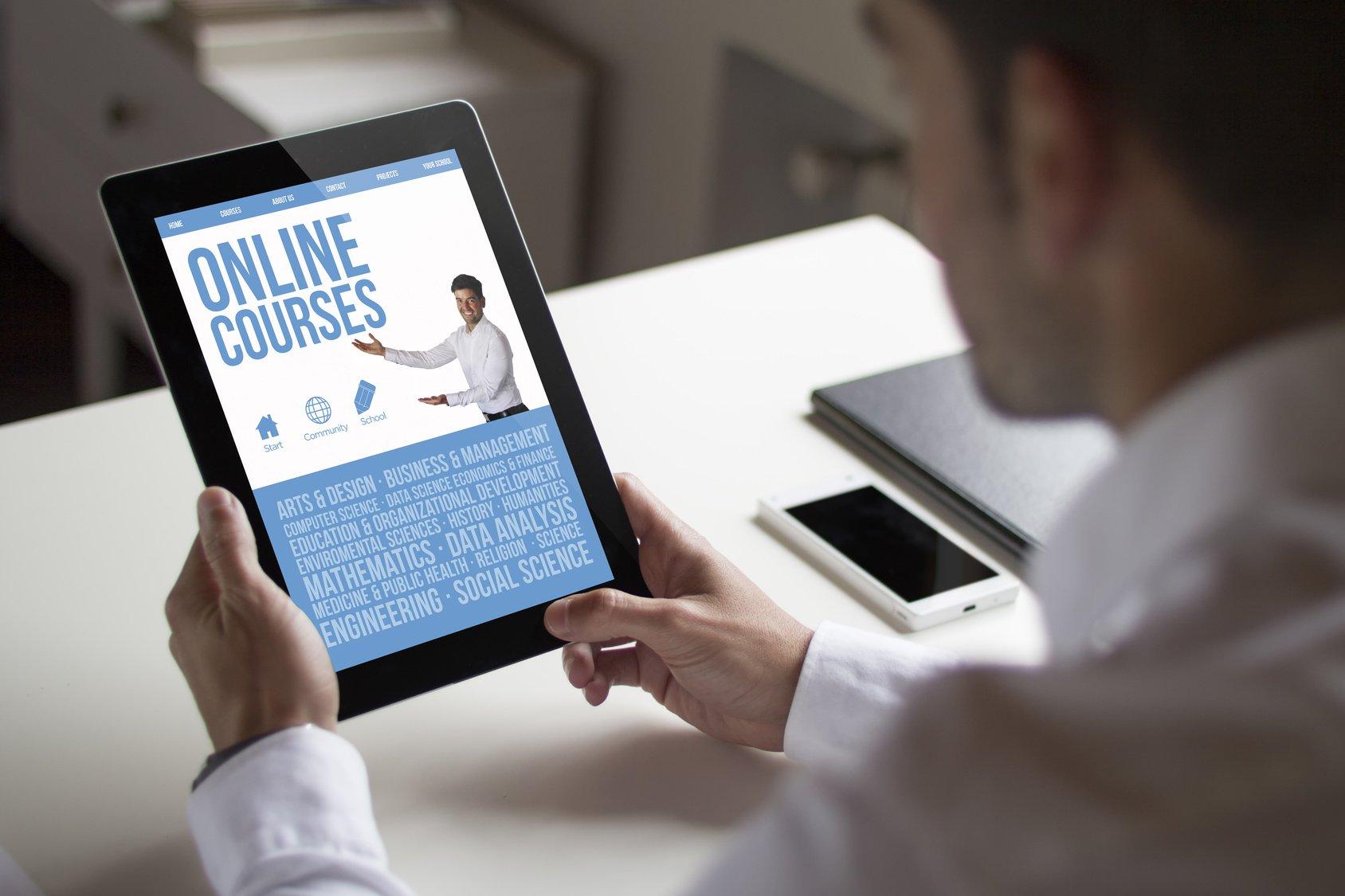 Make Money Selling Online Courses Digital Media Globe